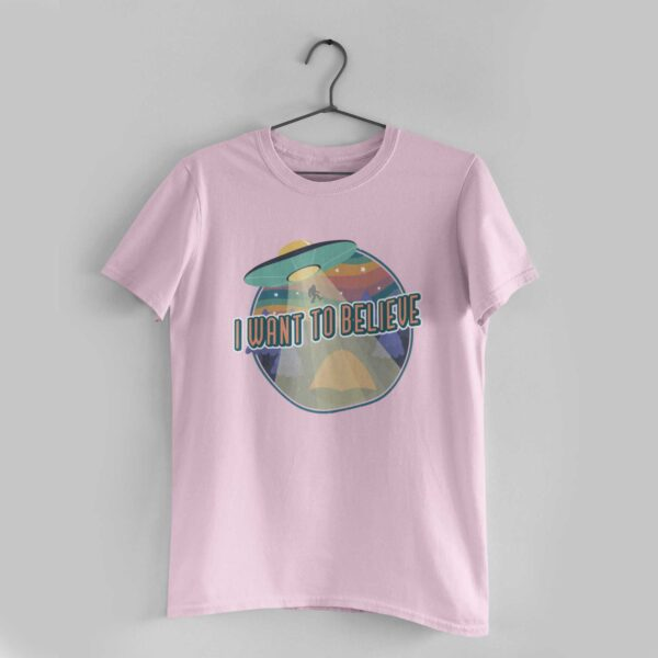 I Want To Believe Light Pink Round Neck T-Shirt