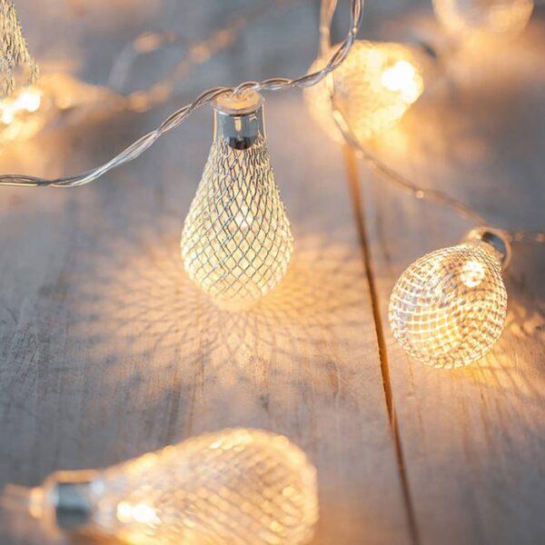 Metal Bulb LED String Lights (16 Lamps)